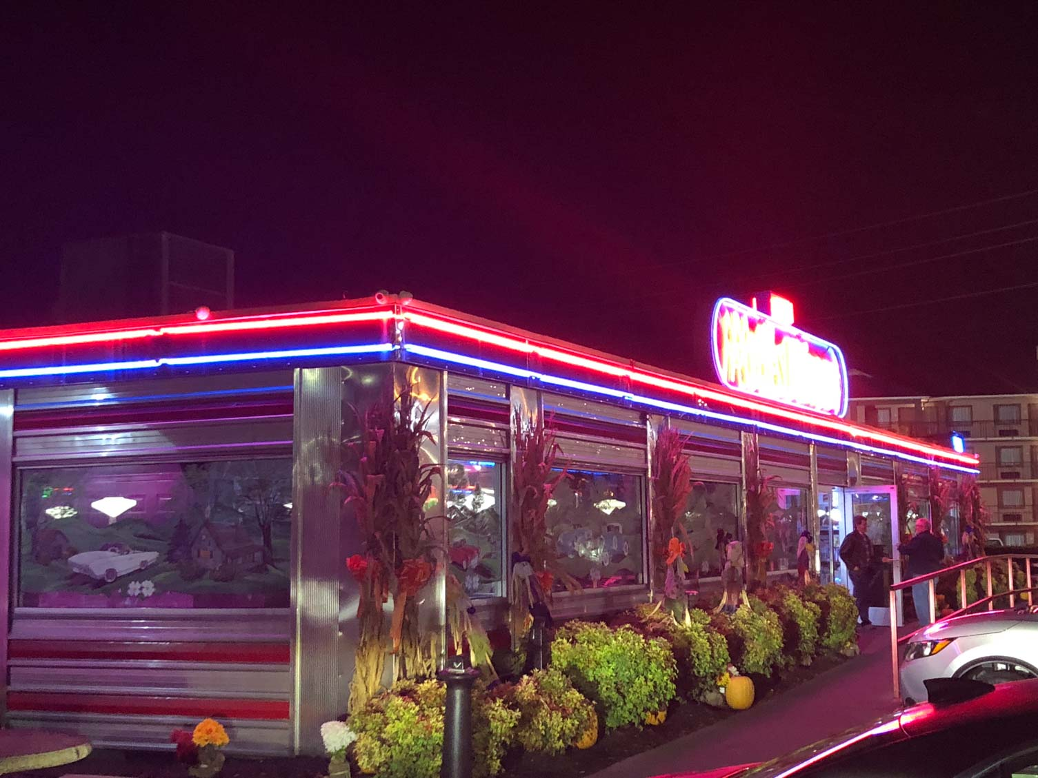 Mel S Classic Diner Traditional Diner Restaurant In Pigeon